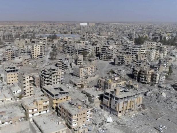 Raqqa Destroyed1